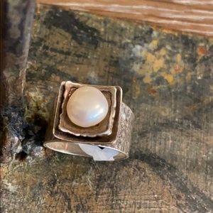 Beautiful Silpada Pearl Ring size 9